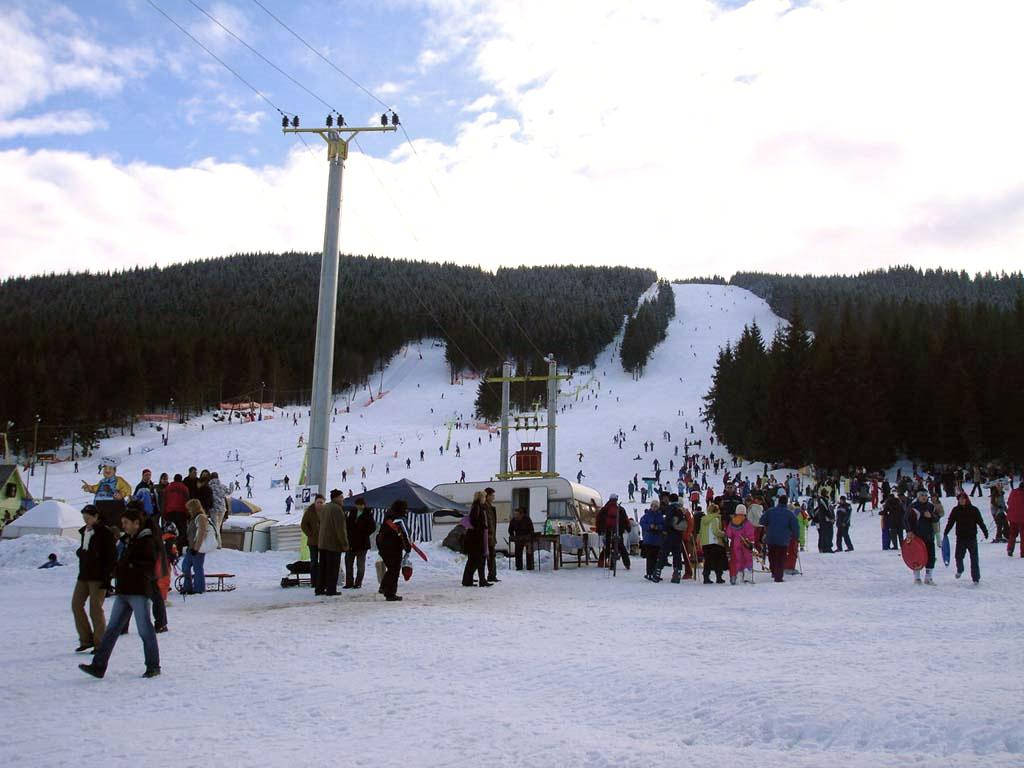 Partia de sky de la Arieseni, obiective turistice Valea Ariesului